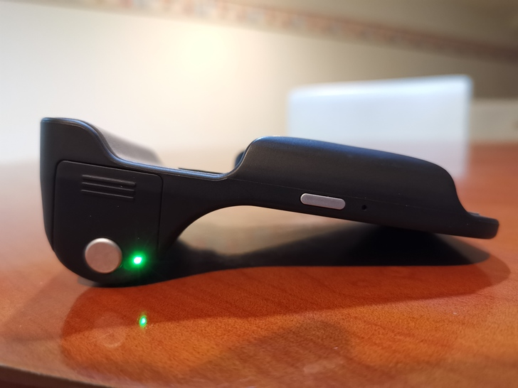 Adonit無線充電藍牙握把PhotoGrip Qi:功能三合一、拍照更便利  - 10